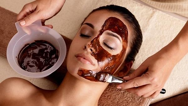 çikolata ile cilt bakımı